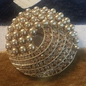 MONET BROOCHE NEW WITH TAG